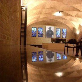 Val stil bij het graf van Damiaan in Leuven